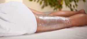 Для лечения целлюлита используют холодные обертывания