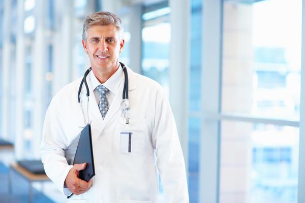 Опытный врач